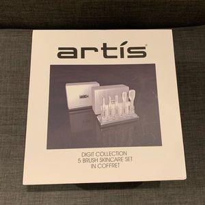 New Artis Digit Collection 5 Brush Skincare Set